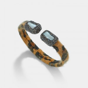 Leopard bracelet with mother of pearl